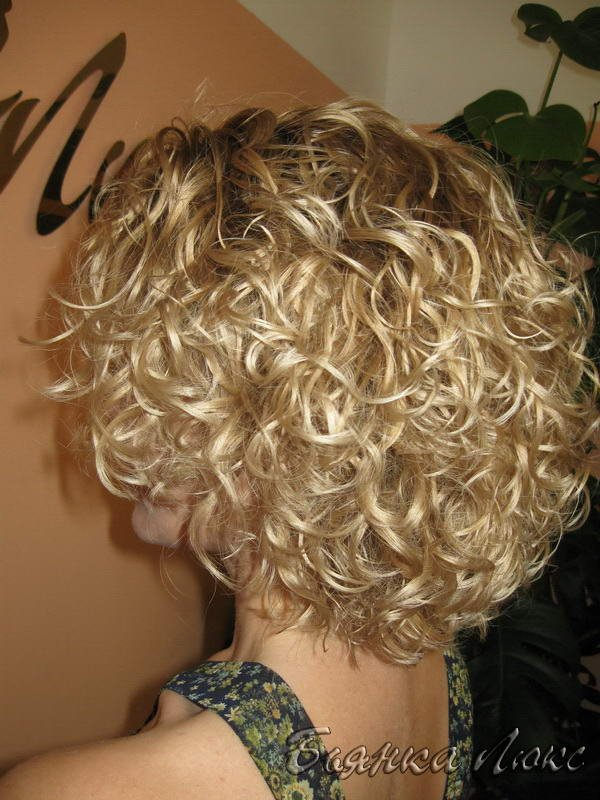 Прически на средние волосы завивка волос