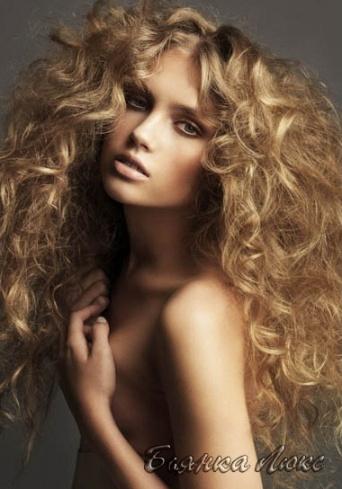 прически на длинные волосы для девушки с пышными формами